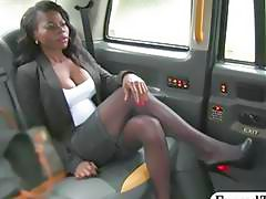 Black babe gets pounded by nasty driver in the backseat